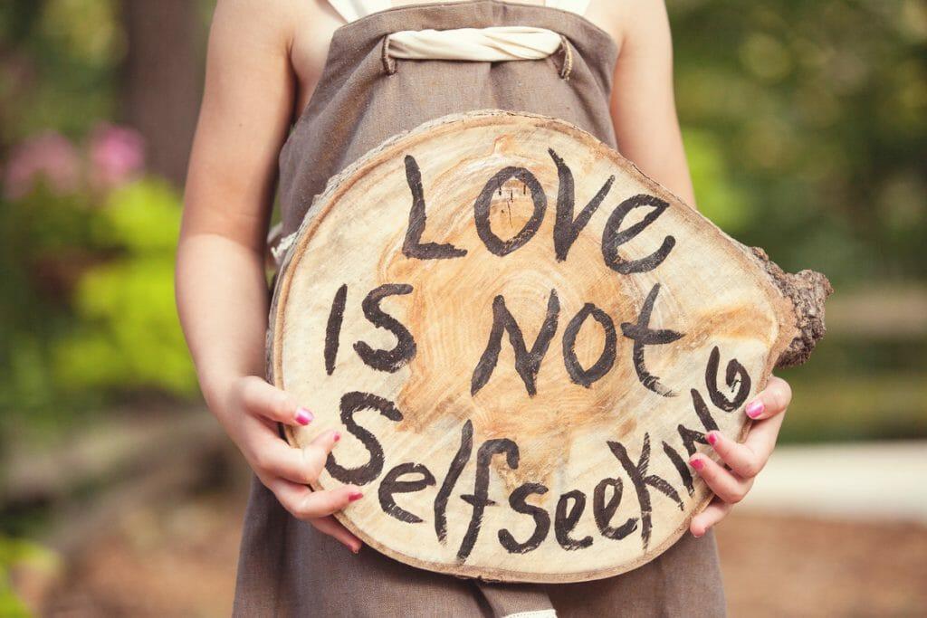 love_not self seeking_lightstock_88019_small_susan